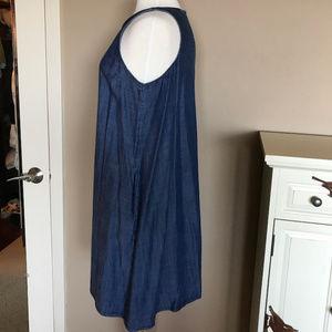 GAP Dresses - EUC Gap chambray shift dress